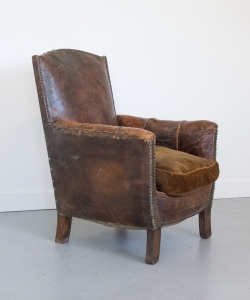 Leather club chair dark brown
