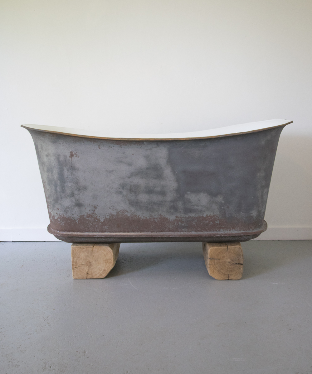 the biarritz brushed cast iron bateau bath