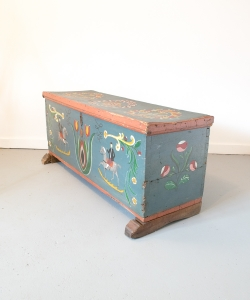 Painted Tulip Chest-4