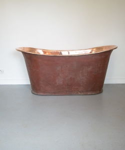 Copper bath red exterior-12
