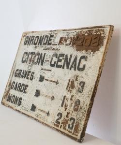 Bordeaux sign-9