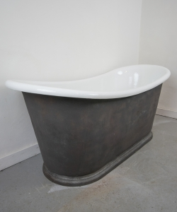 Cast iron bateau bath on plinth-4