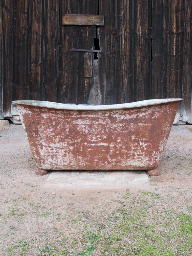19th Century Cast Iron Bath on Feet | Vintage France Design Limited