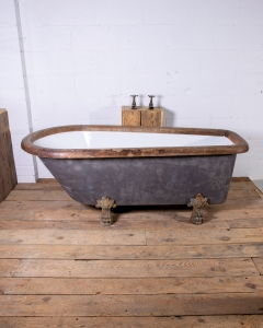 Antique Lionfoot bath wood rim