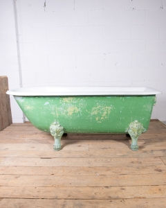 Antique Lionfeet cast Iron Bath