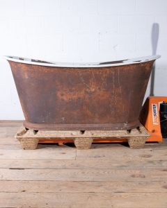 Antique Cast Iron Bateau Bathtub