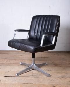 Osvaldo Borsani P25 Chair Tecno-5