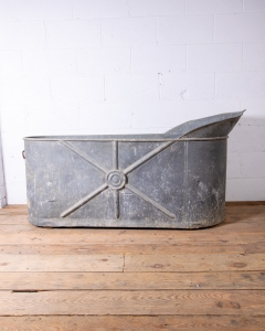 Zinc Slipper Bathtub