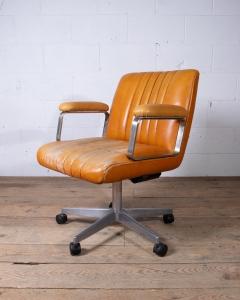 Osvaldo Borsani Desk Armchair-3